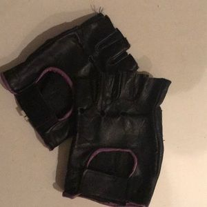 Motor Cycle gloves ( fingerless)